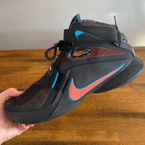 Nike Lebron James Basketball Shoes